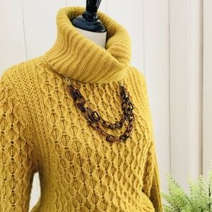 Banana Republic Sweaters - BANANA REPUBLIC HERITAGE COLLECTION Gold Sweater
